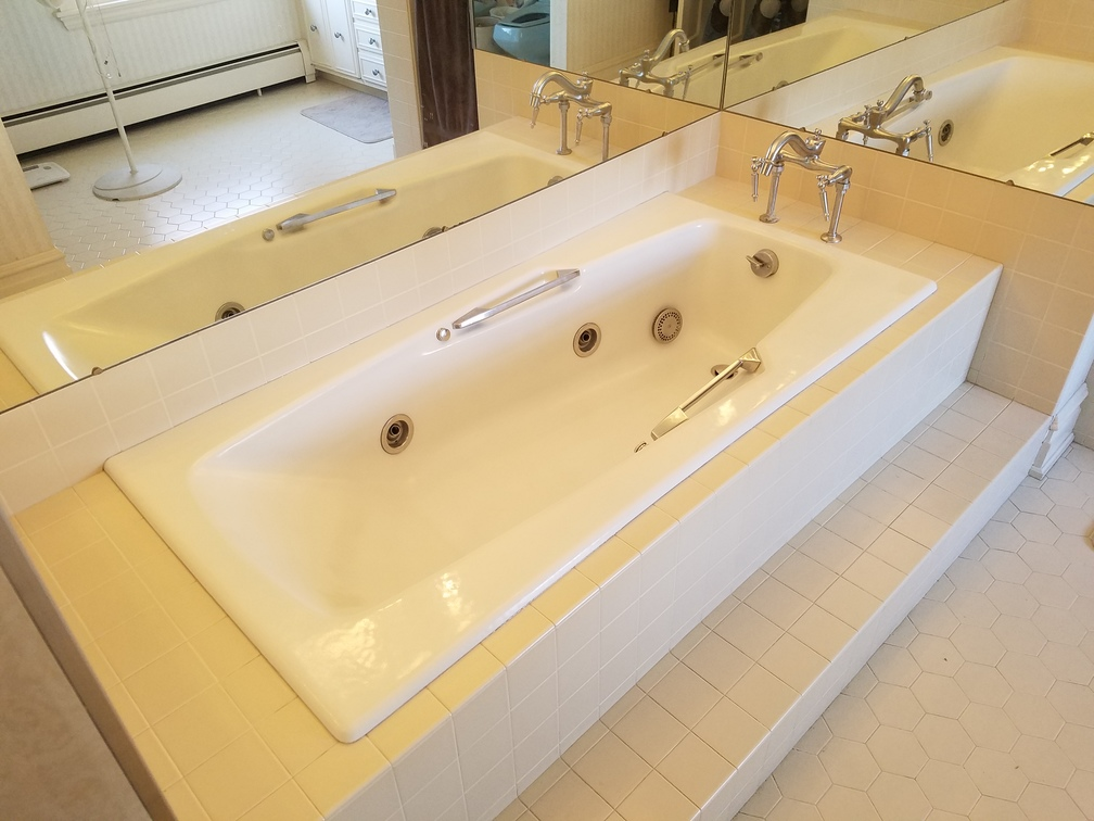 Refinished Jacuzzi Tub In White After
